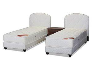 מיטה יהודית מרופדת עם ראש מיטה עגול