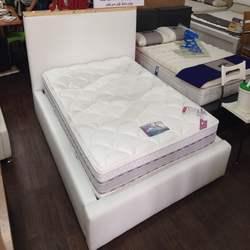 מיטה לבנה מרופדת דגם אתונה
