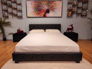 מיטה זוגית במבצע דגם נעה צבע שחור