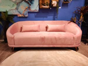 ספה מעוצבת ורודה