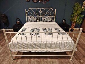 מיטת ברזל דגם אריאנה לבן